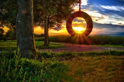 Swinging Sun