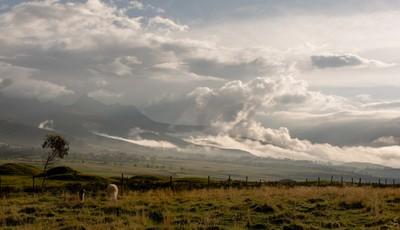 cloud-drifts-at-sunset