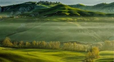 Tuscany sunrise and fog