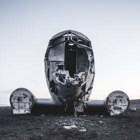 Crashed airplane in Iceland
