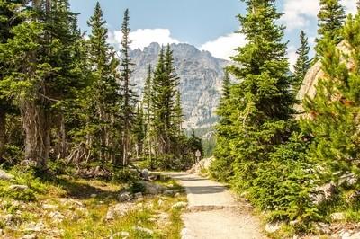 Trail to Loch