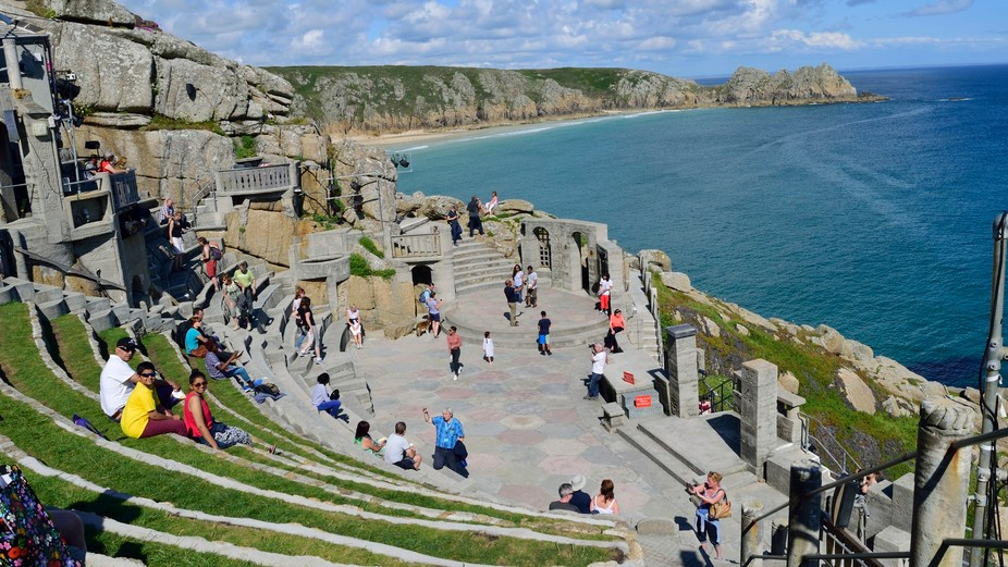 There is my family in the pic . This is one of my fav pic from our holidays in Cornwall, UK. . Am...