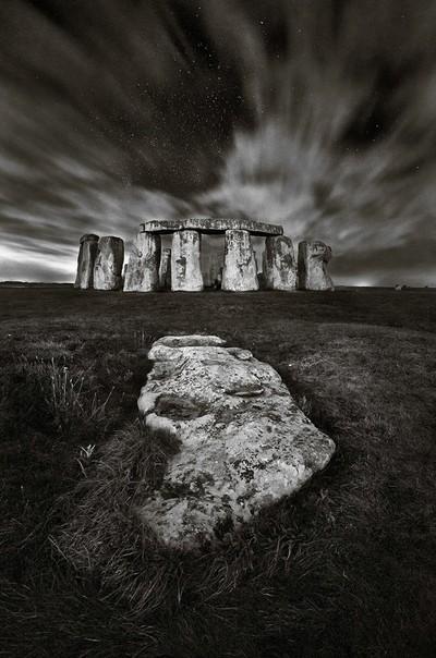 StonehengeMono