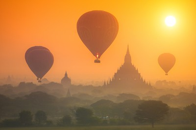 Balloons over the Old Bagan