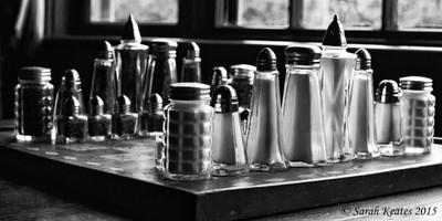 Salt and pepper chess wars