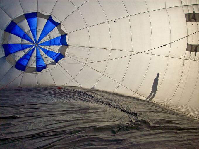 inside the ballon  by Guillaume - Composing with Diagonals Photo Contest