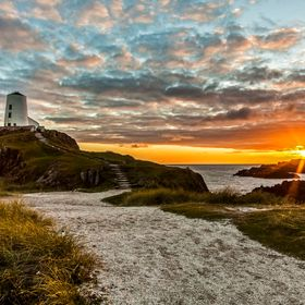 Anglesey, Twr Mawr, lighthouse, northwales, rocks, sea, sunset, uk