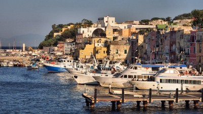 The pictoresque little port of the Isle of Procida_2