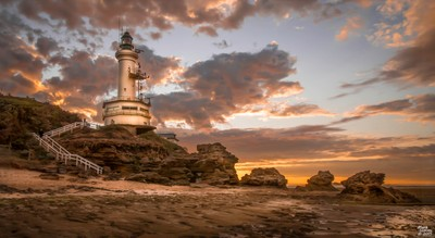 Stormy Sunrise at Point Lonsdale, Bellarine Peninsula, Victoria, Australia by Theo-Herbots-Fotograaf