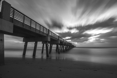 B&W Juno Beach Pier