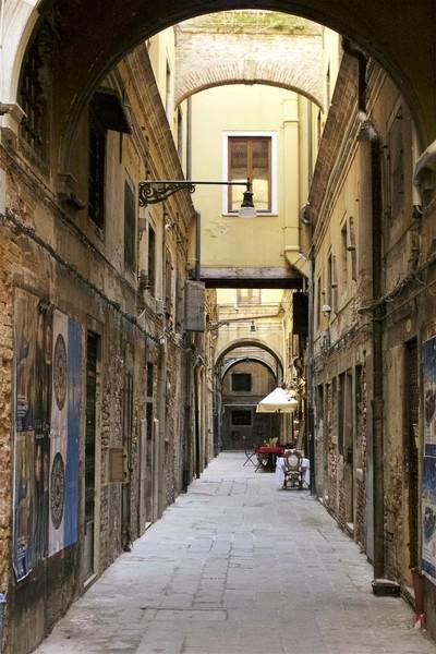 Venice Alley strip