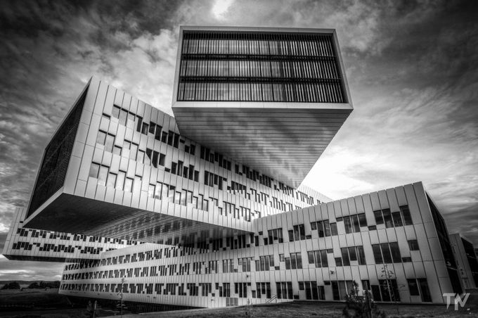 Statoil building by tomaszmajewski - Composing with Diagonals Photo Contest