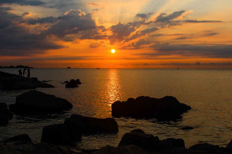 The photograph was taken in Cam Ranh, Khanh Hoa province, Vietnam.
