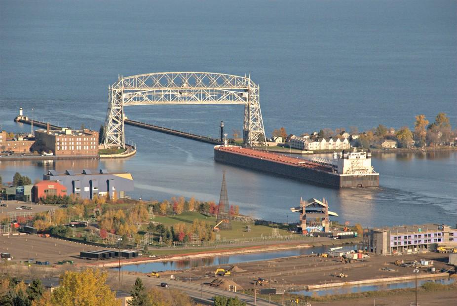 Duluth-Harbor-Ship-Bridge-Up-High 2015 1025