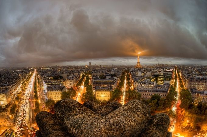 Bad Weather in Paris by jacobsurland