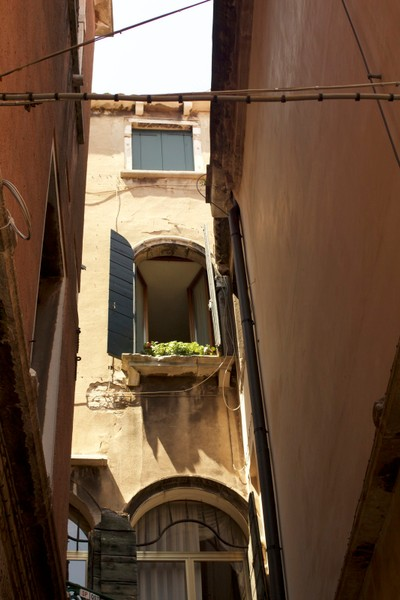 Venice Open window
