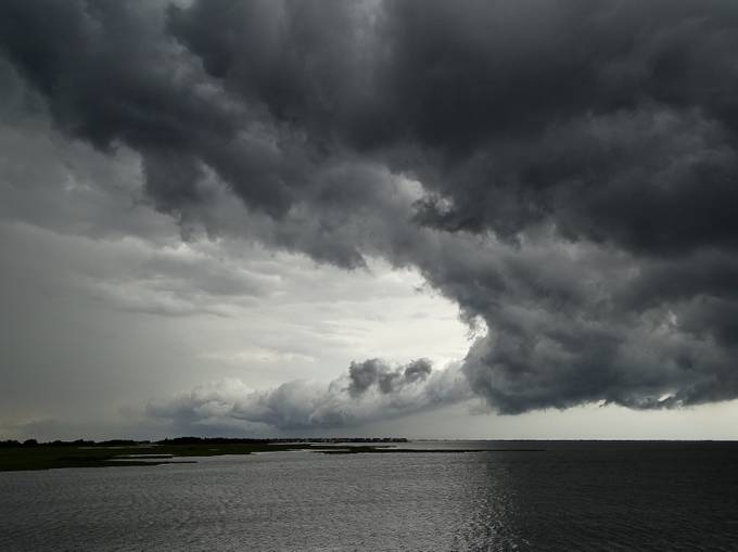Storm Front by waverunner - 500 Stormy Clouds Photo Contest