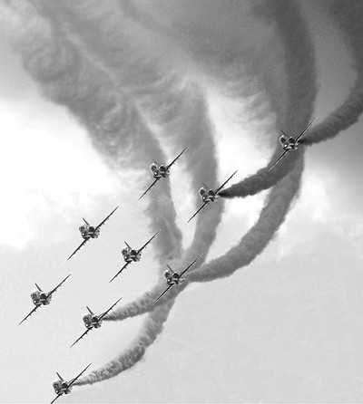 9 Red Arrows (BW)