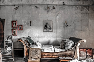 The Decayed Room