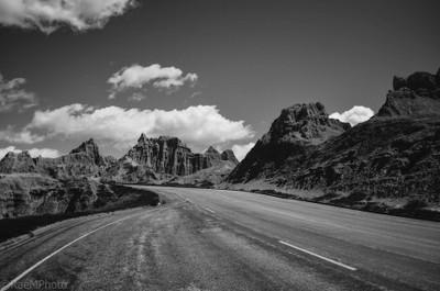 Drive through the Badlands (b&w)