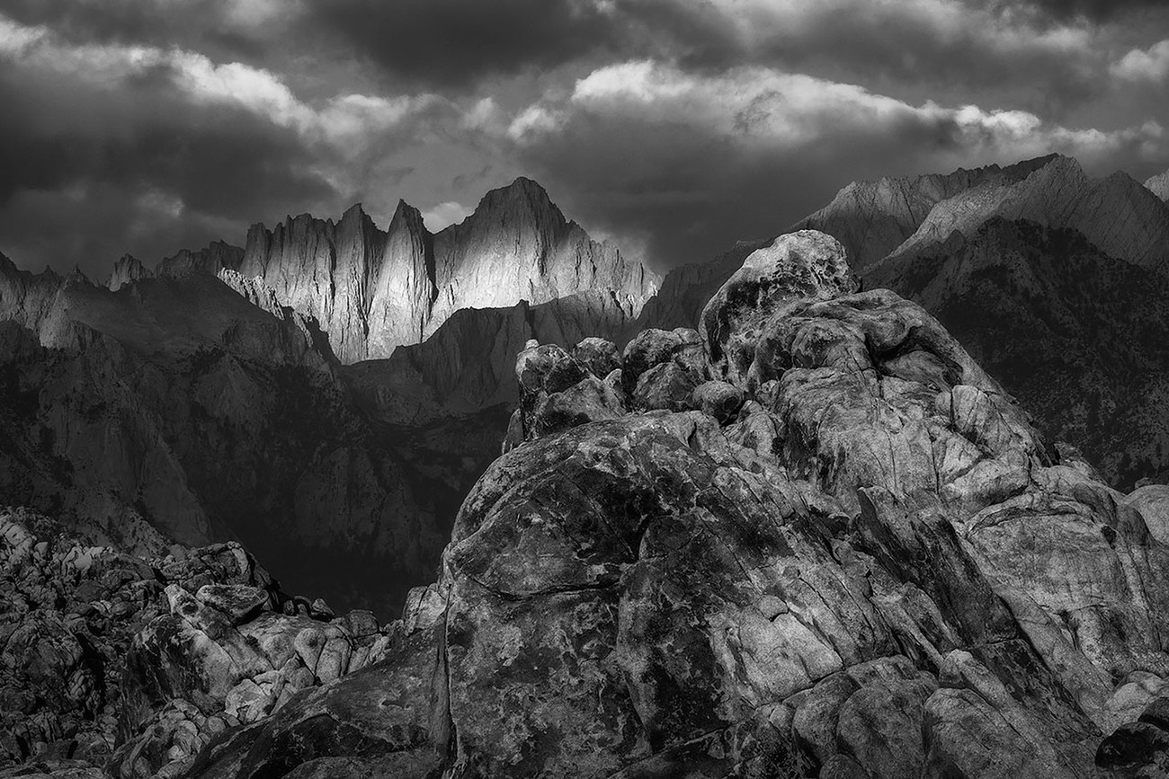 10+ Amazing Mountain Peaks In B&W You Gotta See