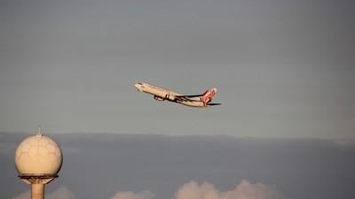 Virgin Australia VH-VUT departing Sydney