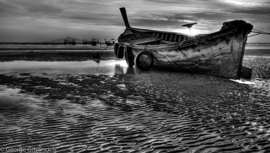 Phi Phi Island - Longboats at dawn