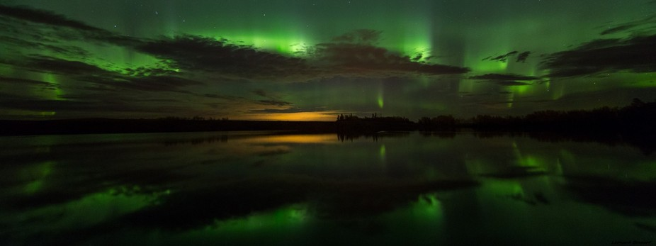 One calm and peaceful night in September the aurora danced again... - Canon 6D 14mm f2.8 ISO 3200...