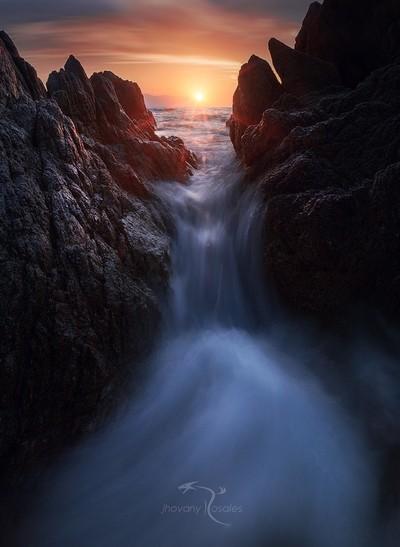 Mordor's Waterfall