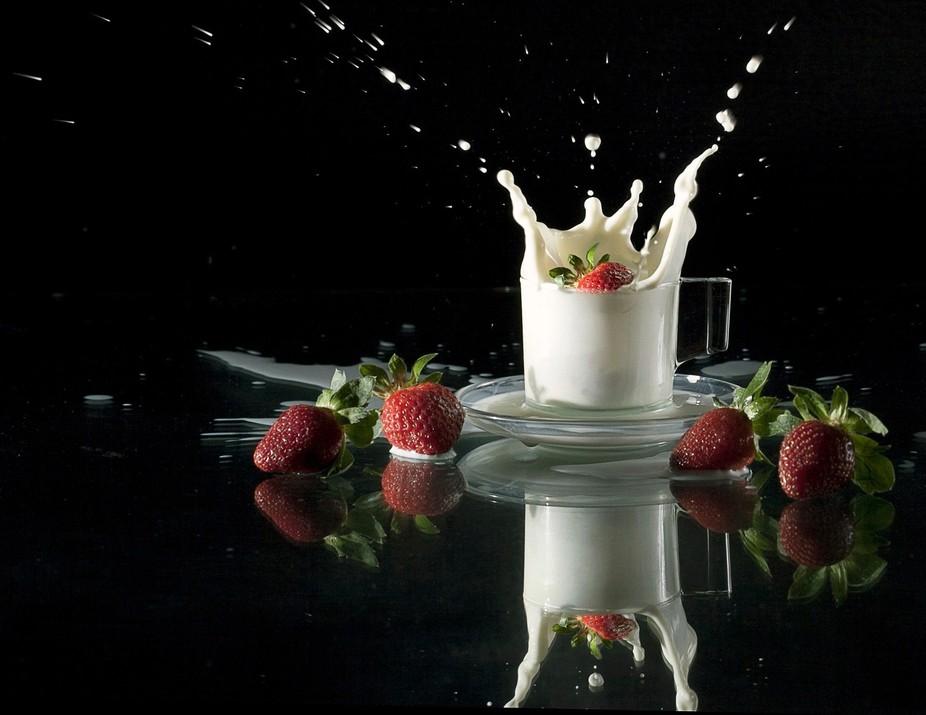 Strawberry Milk Dive