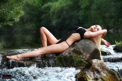 in the wild - Michelle-Angelique - Pin-up Calendar