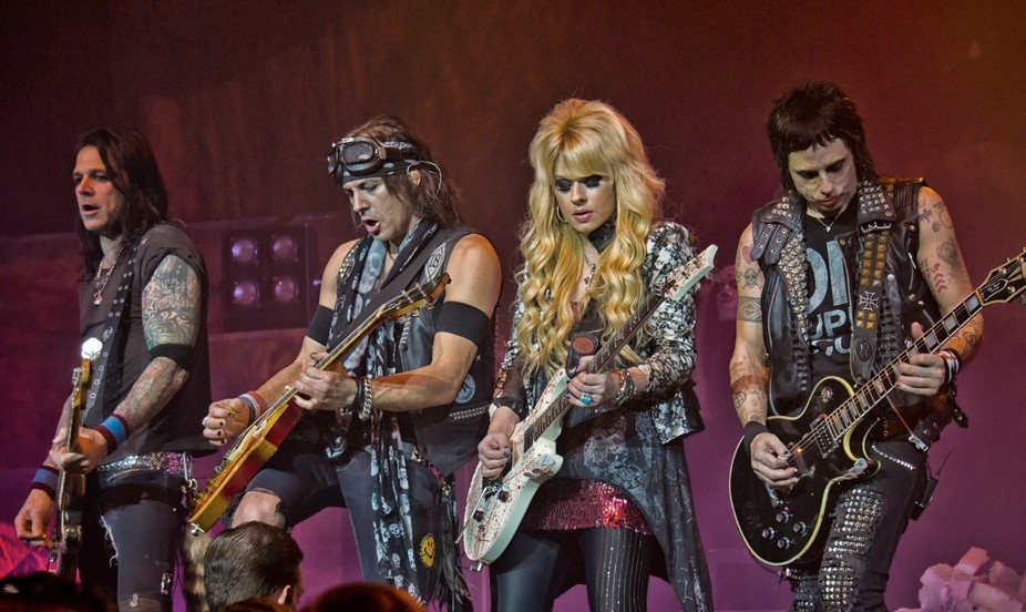 Alice Cooper concert with band members Ryan Roxie, Tommy Henrickson, Chuck Garric, Orianthi 2013