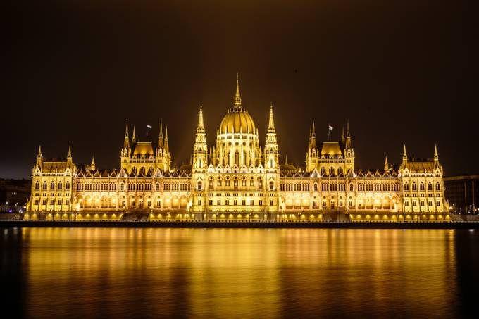 Hungarian Parliament Building by ericcriswell