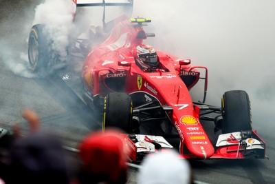 Kimi Raikonnen race spin 2015 Canada