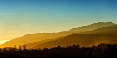 YELLOW MOUNTAIN SUNSET