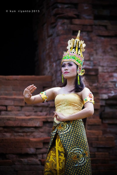 Queen of The Temple Pari Porong Sidoarjo