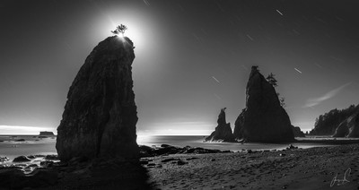 8 Minutes with the Moon in Rialto Beach