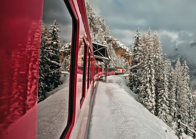 Traveling on the red train by alfredocostanzo - Resource Travel Inspiration Photo Contest vol2