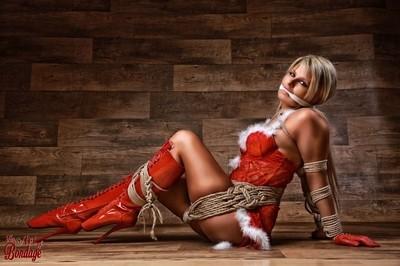 Christmas Babe - Fine Art of Bondage