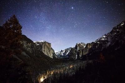 Tunnel view night sky