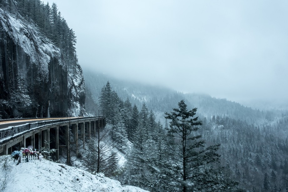 Snow in the Columbia River gorge