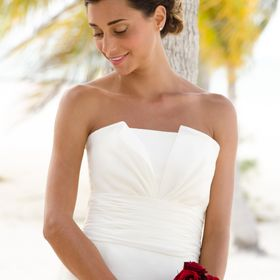 A candid portrait of a relaxed happy bride at her wedding in Cozumel, Mexico
