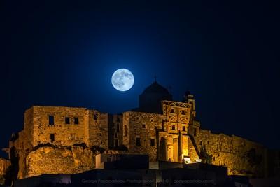 Full moon over the castle