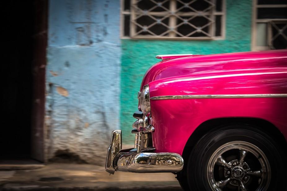 Pink Oldtimer in Havana