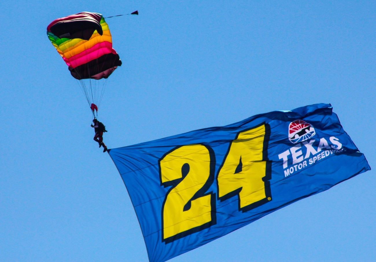 TMS had 24 sky divers carrying 24 different Jeff Gordon flags to celebrate is final race at TMS.