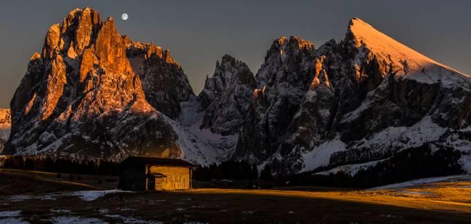 Sassolungo panorama by jamesrushforth