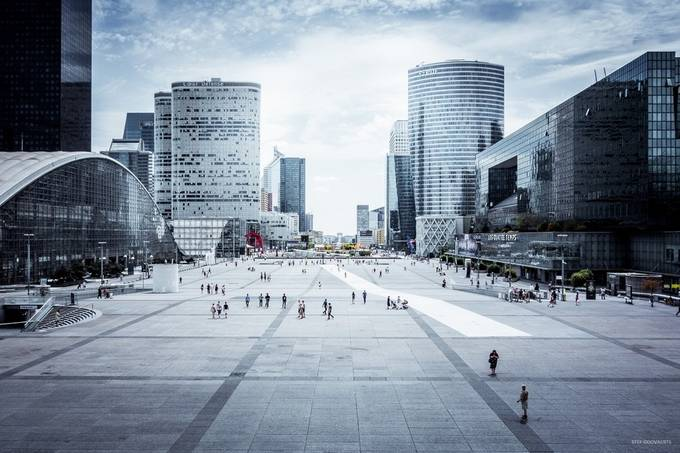 Paris - La Défense by stefgoovaerts - Europe Photo Contest