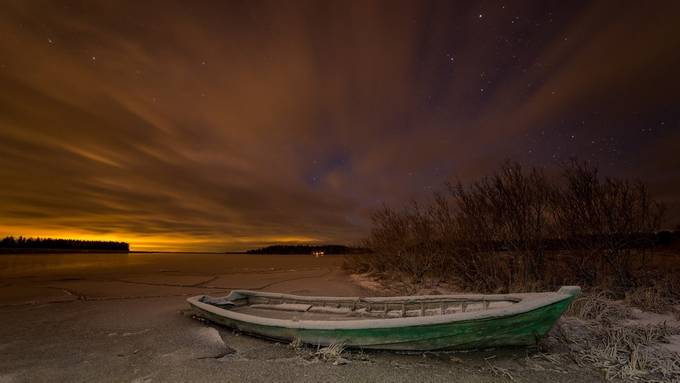 Green boat by Harri - Winter Long Exposures Photo Contest