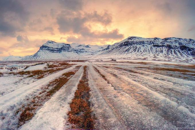 Icelandic winter mountains by Geinis - Parallel Compositions Photo Contest