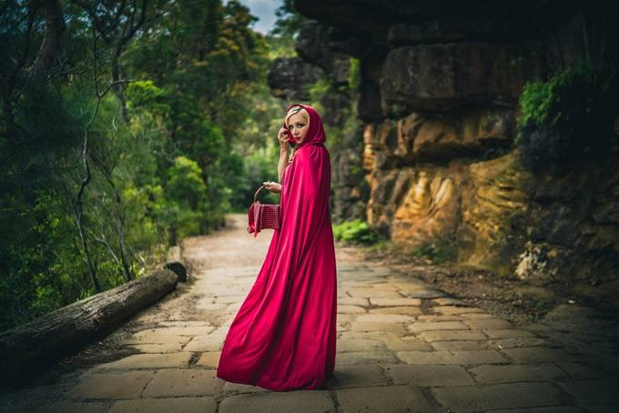 Red Riding Hood by HRImages - Disrupting Depth Photo Contest